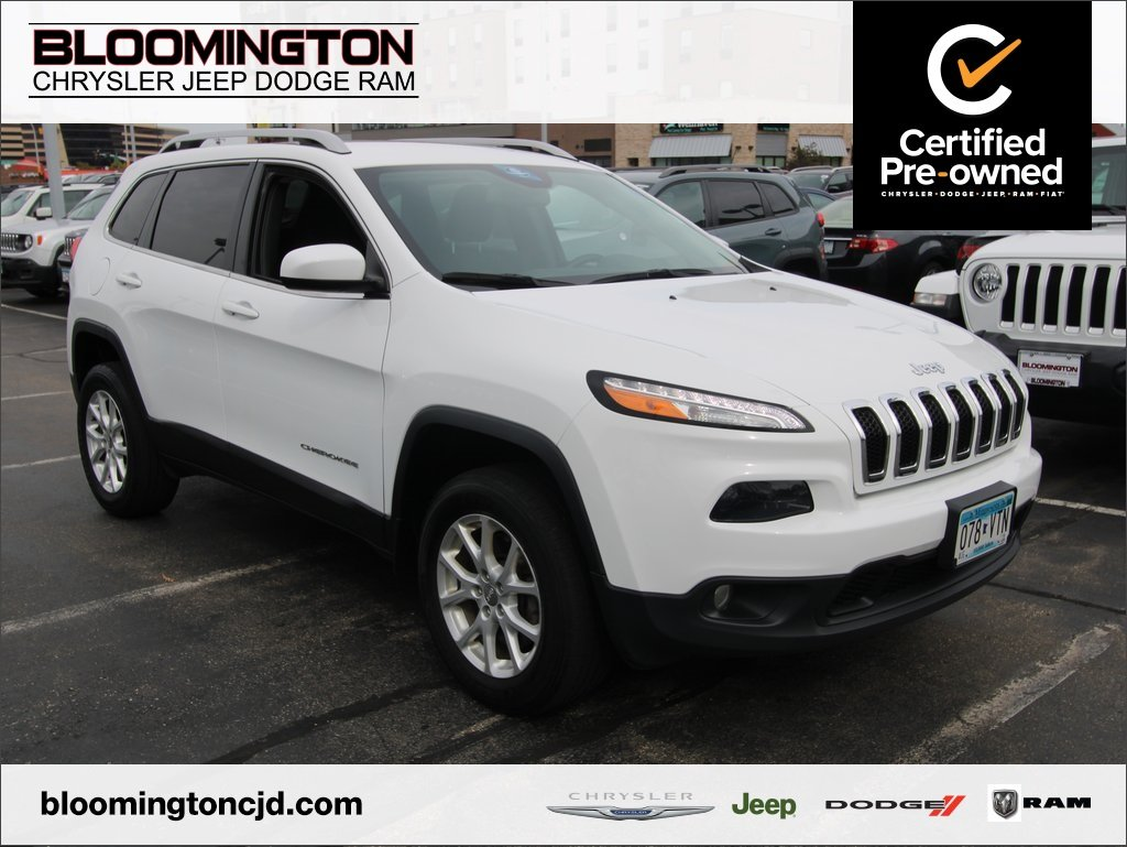 Certified Pre-Owned 2016 Jeep Cherokee LAT 4X4 CW TOW