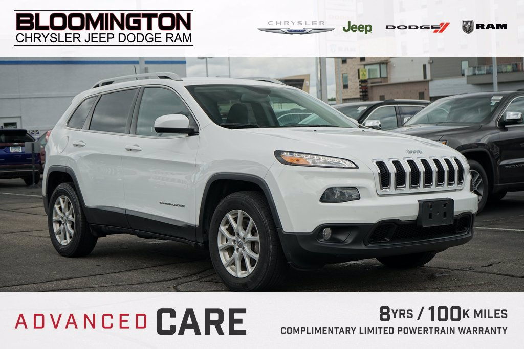 Pre-Owned 2017 Jeep Cherokee LAT V6 CW PKG 8.4