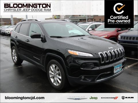 Certified Pre-Owned 2017 Jeep Cherokee Limited 4x4 V6 Heated Leather Tow